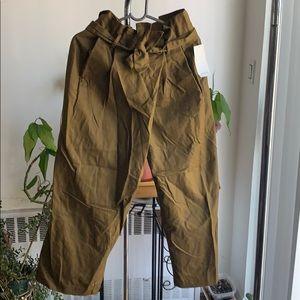 NWT Zara high waist paper bag pants khaki medium